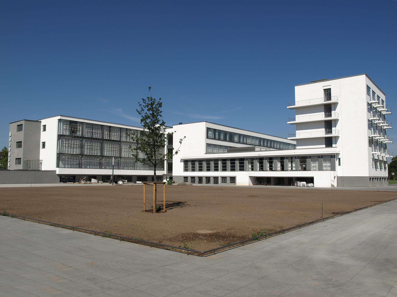 Waltergropius/waltergropiusbauhausdessau.jpg Bauhaus