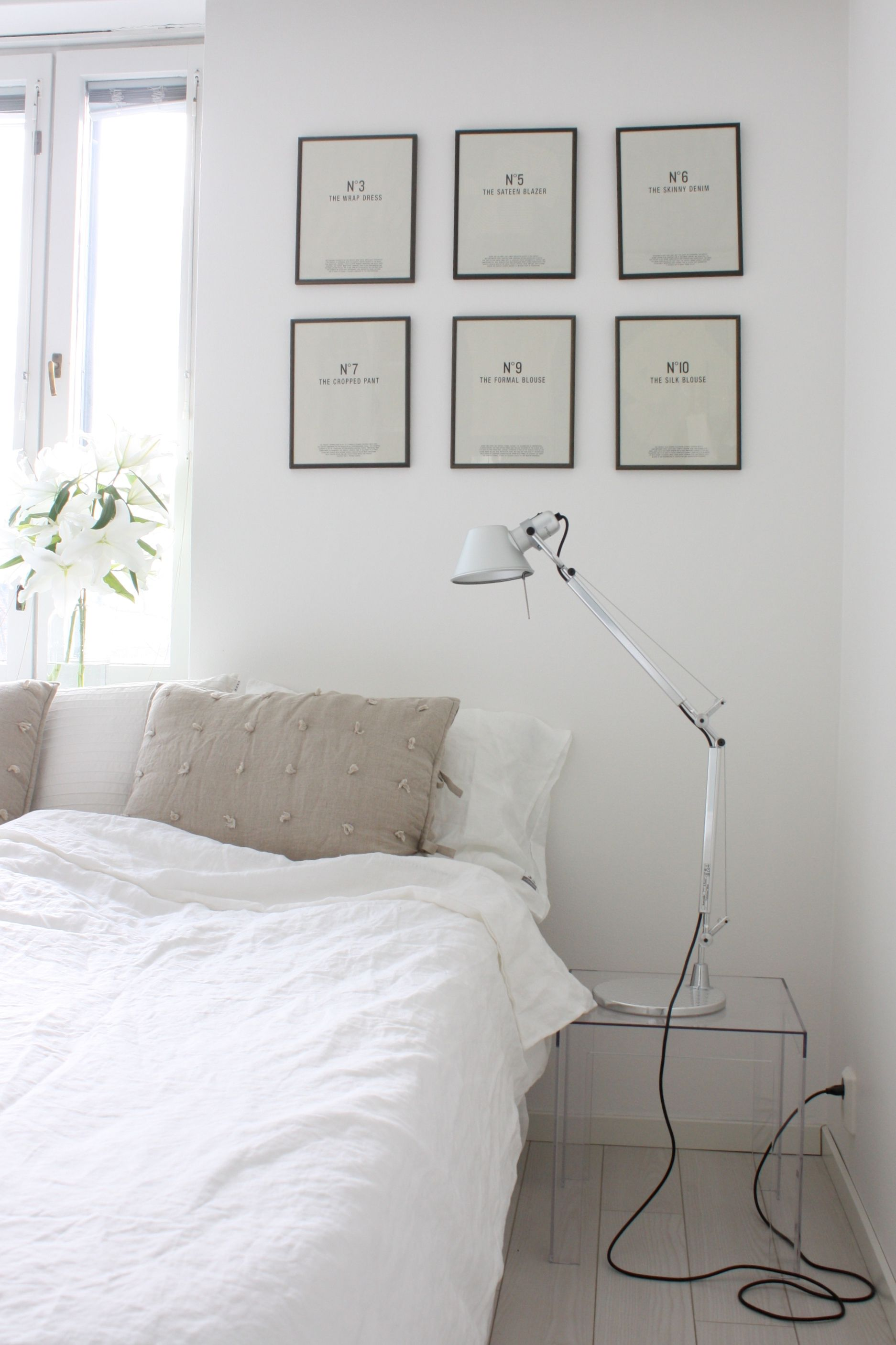 Tolomeo Wall Lamp Bedroom : Homevialaura White bedroom with Artemide Tolomeo lamps, linen sheets, Bemz Loose Fit Urban bed ...
