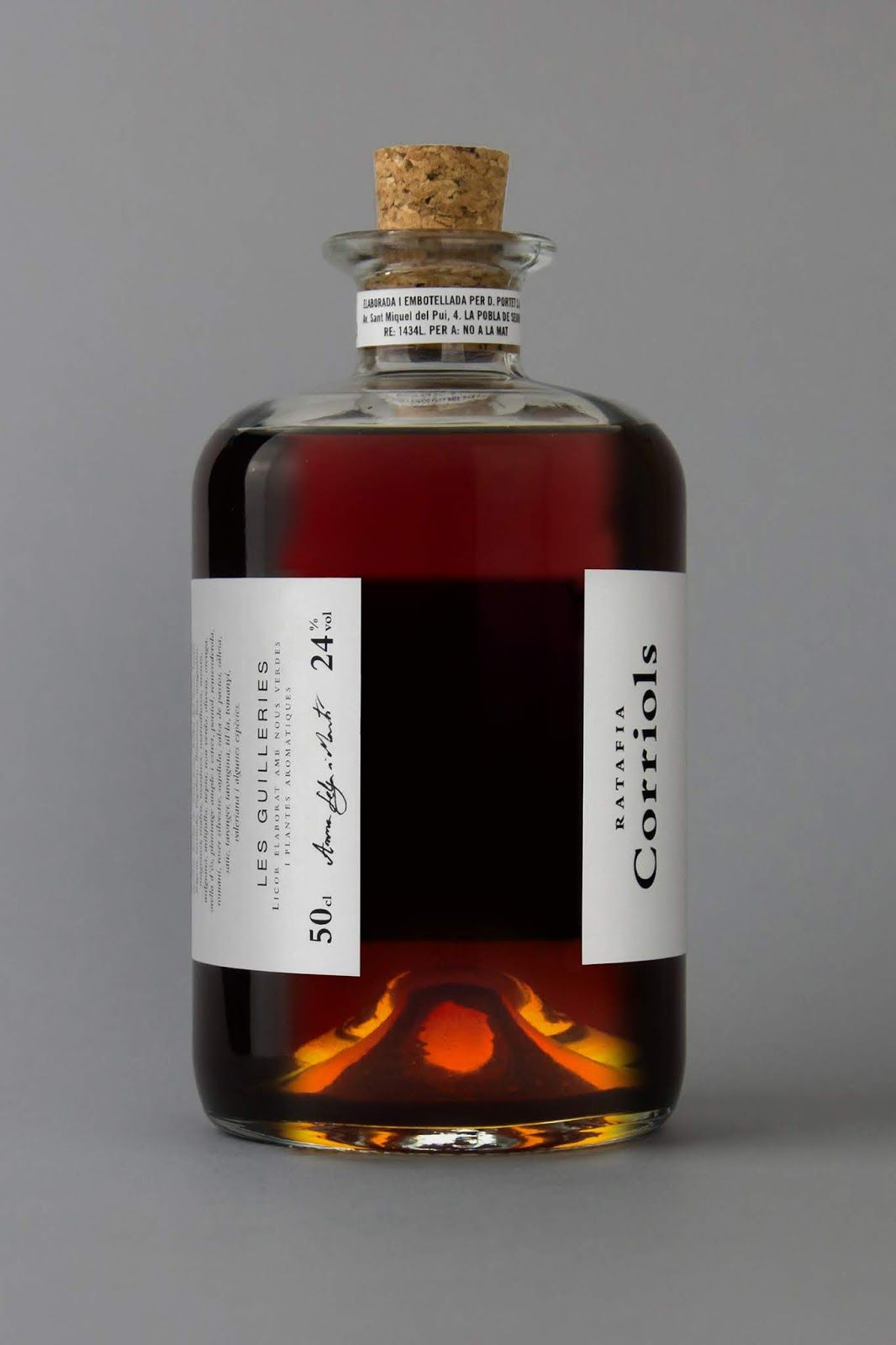 Corriols Ratafia On Packaging Of The World Creative Package Design Gallery Bottle Design Packaging Whisky Packaging Alcohol Packaging