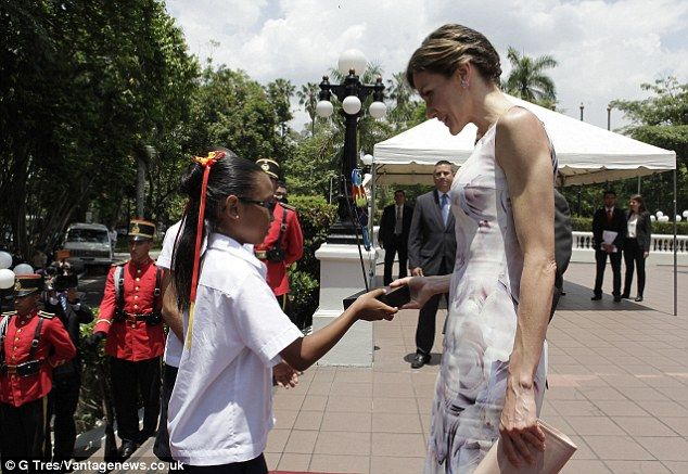 Queens & Princesses - Queen Letizia concluded her first trip through cooperation with a second and final day in El Salvador.