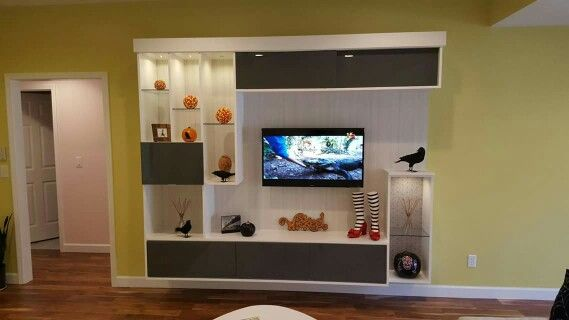 This Contemporary Unit Features A Neutral Palette With Gloss, Textures,  Glass And Lighting. The Client Enjoyed Decorating It For Halloween!