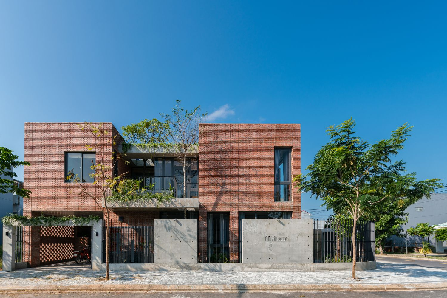Gallery Of Chivi House Hinzstudio 6 Home Building Design Facade House City House
