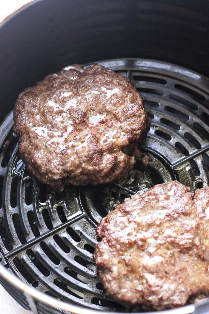 In this post you will learn how to make juicy hamburgers