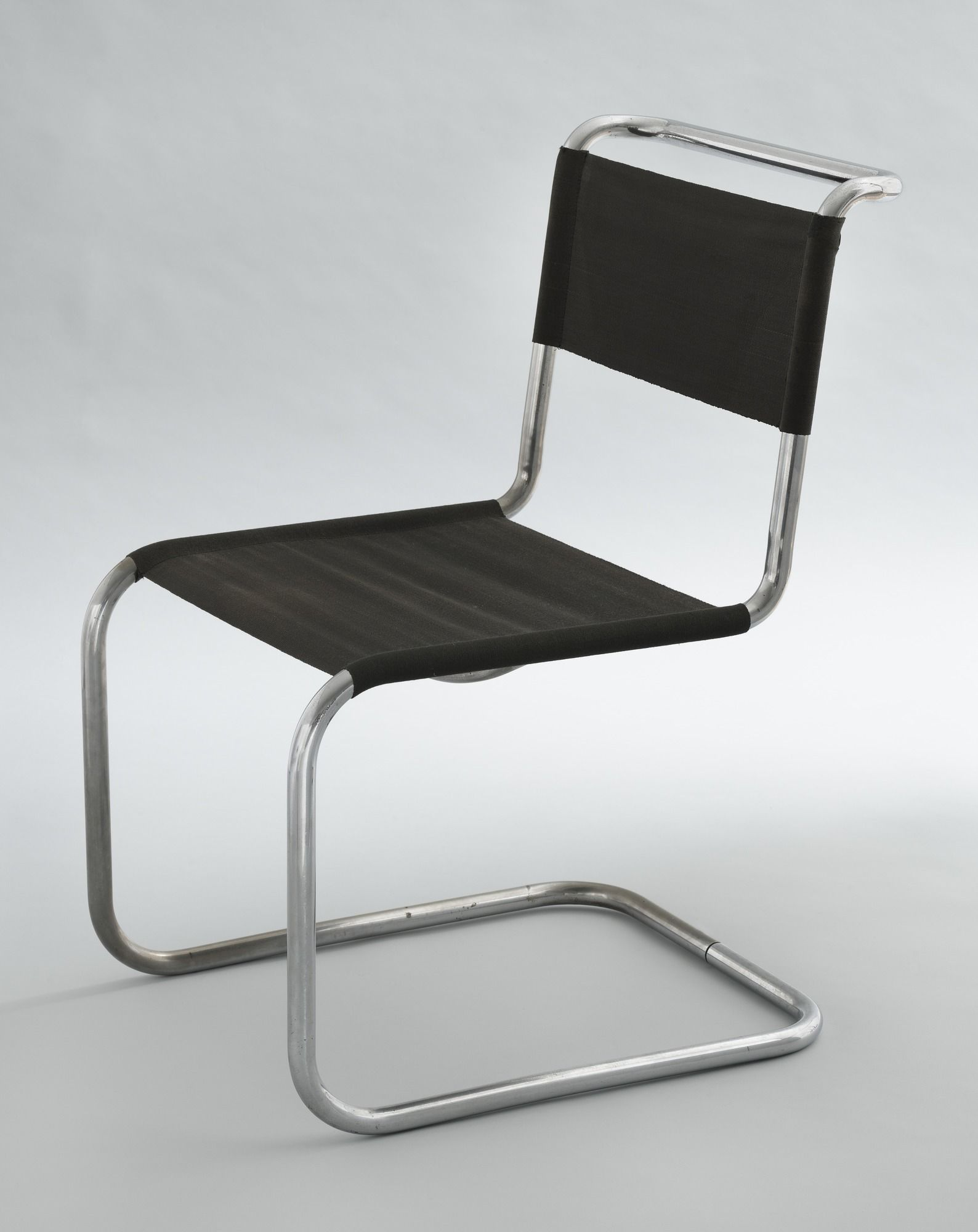 chair (model b33), marcel breuer, 1927-28. chrome-plated tubular