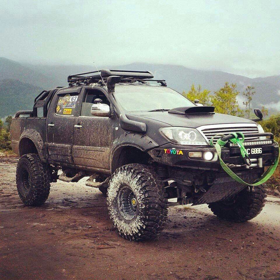 lifted toyota hilux off road 4x4 travel overland and. Black Bedroom Furniture Sets. Home Design Ideas