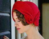 Fieltro rojo cloche-romántico