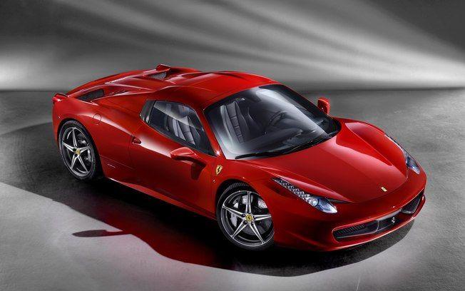 Ferraris invadem as pistas de Interlagos: proprietários e colecionadores de carros da marca italiana se reúnem em São Paulo para desfilar suas máquinas