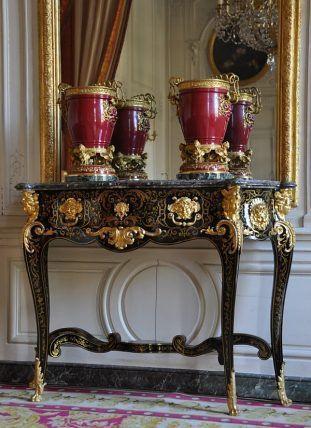 LE GRAND TRIANON \u2013 LA CHAMBRE DE LA REINE DES BELGES Versailles