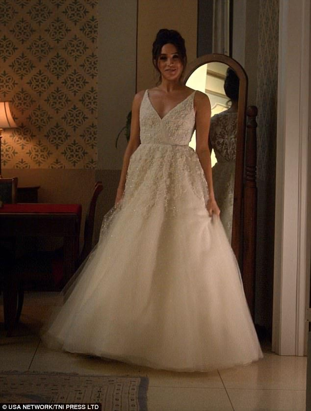 Megan S Wedding Dress.Suits Creator Reveals They Began Planning For Meghan S Exit A Year