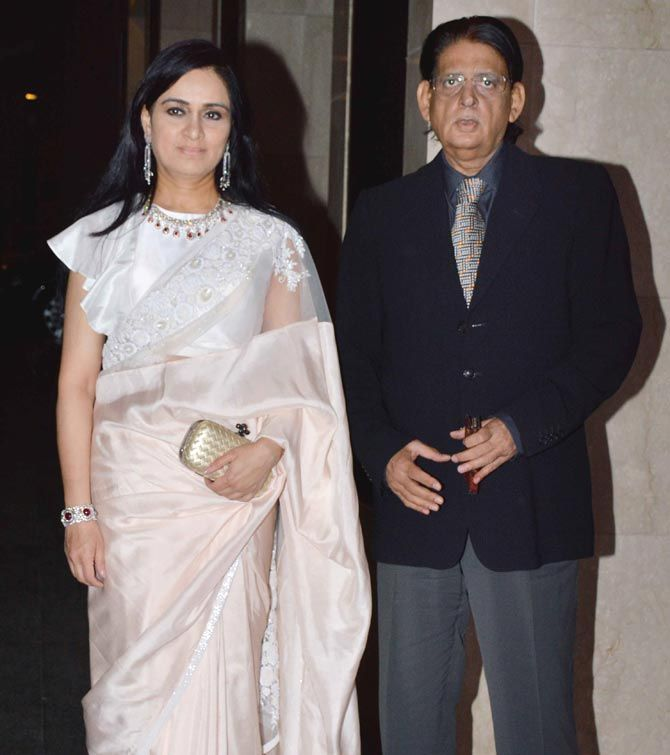 Padmini Kolhapure with husband Pradeep Sharma   Padmini kolhapure, Wedding  reception, Wedding