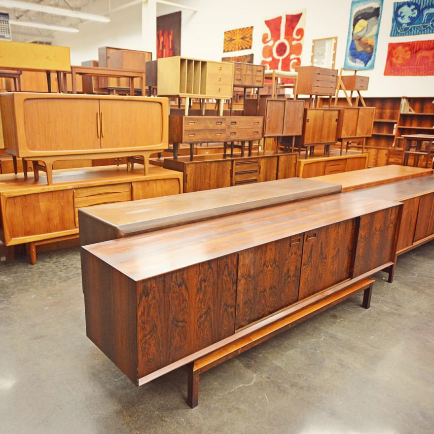 Mid Century Mobler Is A Berkeley Based Vintage Furniture Dealer That Operates Like Reverse Vi Mid Century Design Mid Century Modern Furniture Mid Century Style