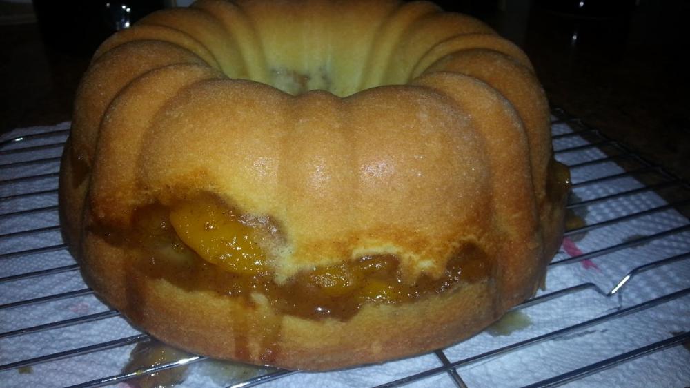Peach Cobbler Pound Cake A Perfect Summer-time Dessert #peachcobblerpoundcake