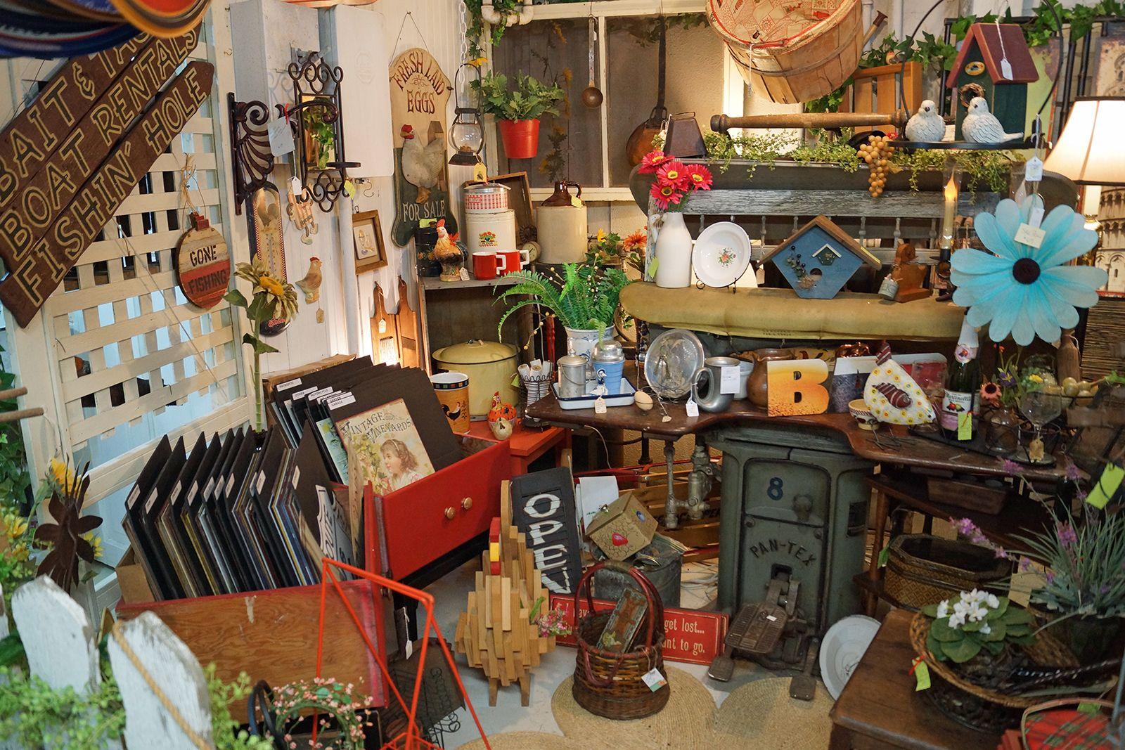 Spare Room Vintage Market 1820 Hewitt Avenue Everett WA