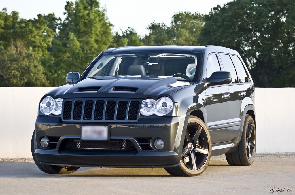 If You Re Gonna Do An Srt8 Ya Need To Do It Like This Jeep Srt8 Jeep Cherokee Srt8 Jeep Suv