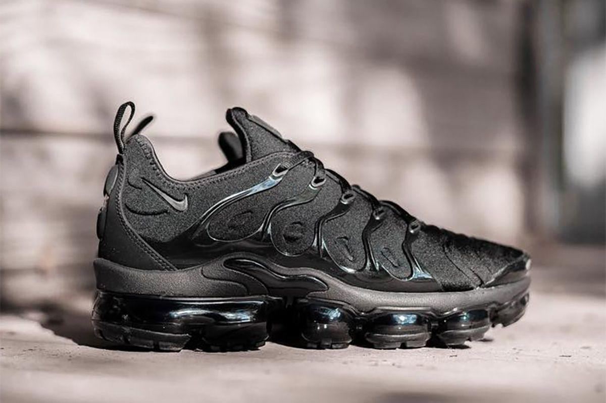 brand new 4dd14 8b3c0 Nike Air VaporMax Plus to Release in Black Colorway - EU Kicks Sneaker  Magazine