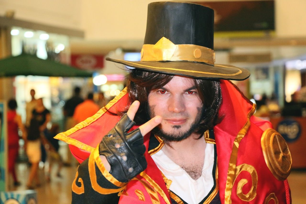 Cosplay en Cascadas Mall