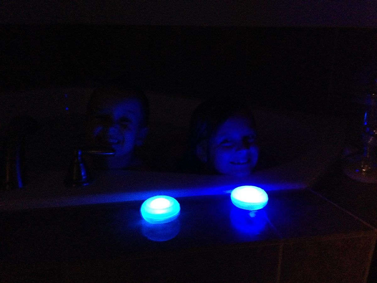 Floating LED Bath-Spa Lights | Moderne Badkamers | Pinterest | Spa ...