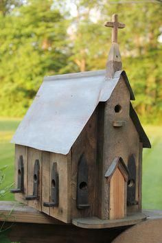 DIY 12 Cute Birdhouse made from Wood Pallets #birdhouses
