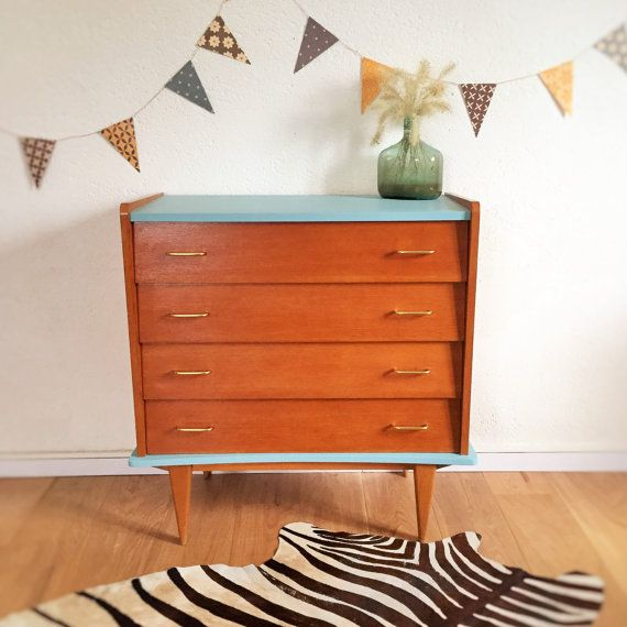 Soft and retro lines, stylish look, this dresser lovely vintage and trendy has it all. We like its Scandinavian design and pretty typical