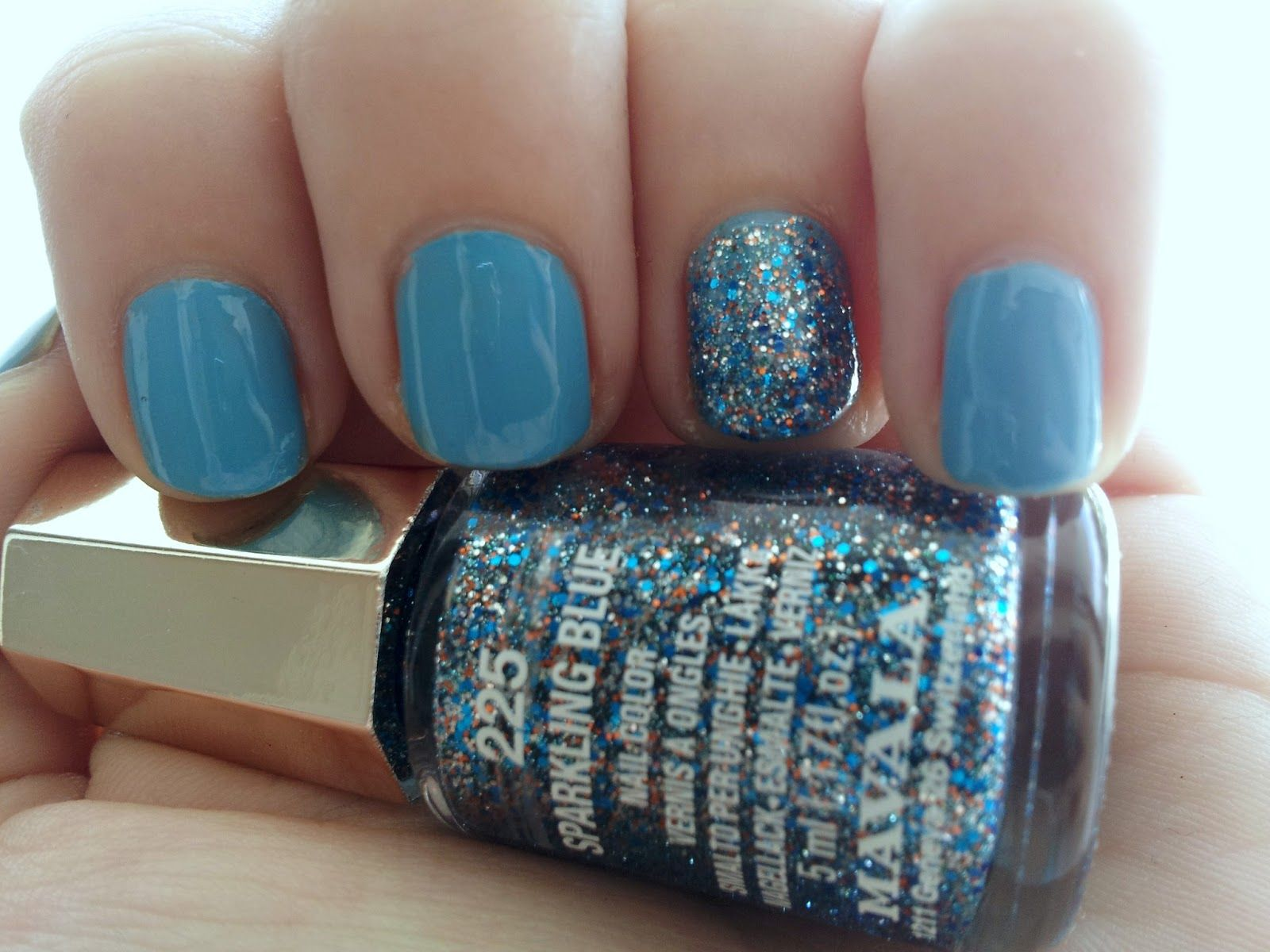 """Tip Top """"Beach Babe"""" plus accent nail with Mavala """"Sparkling Blue"""""""