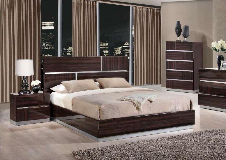 Lacquered Elegant Wood Luxury Platform Bed Modern Bedroom