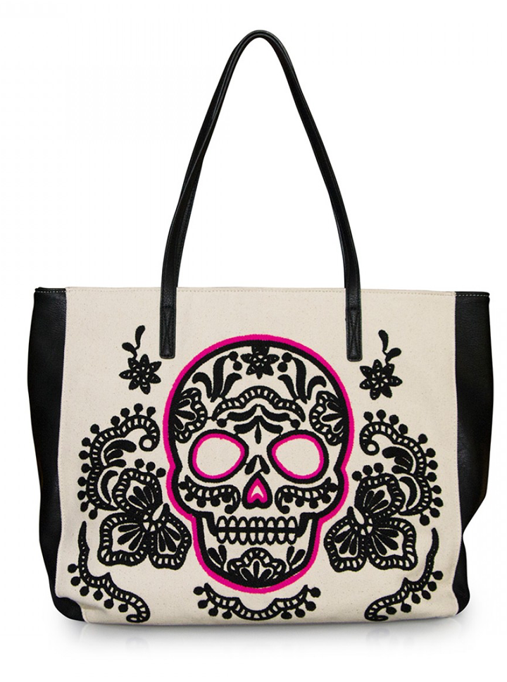 This cute handbag will be the perfect accessory to any outfit this summer. Calaveras  De AzúcarBolso ... 4d399342550