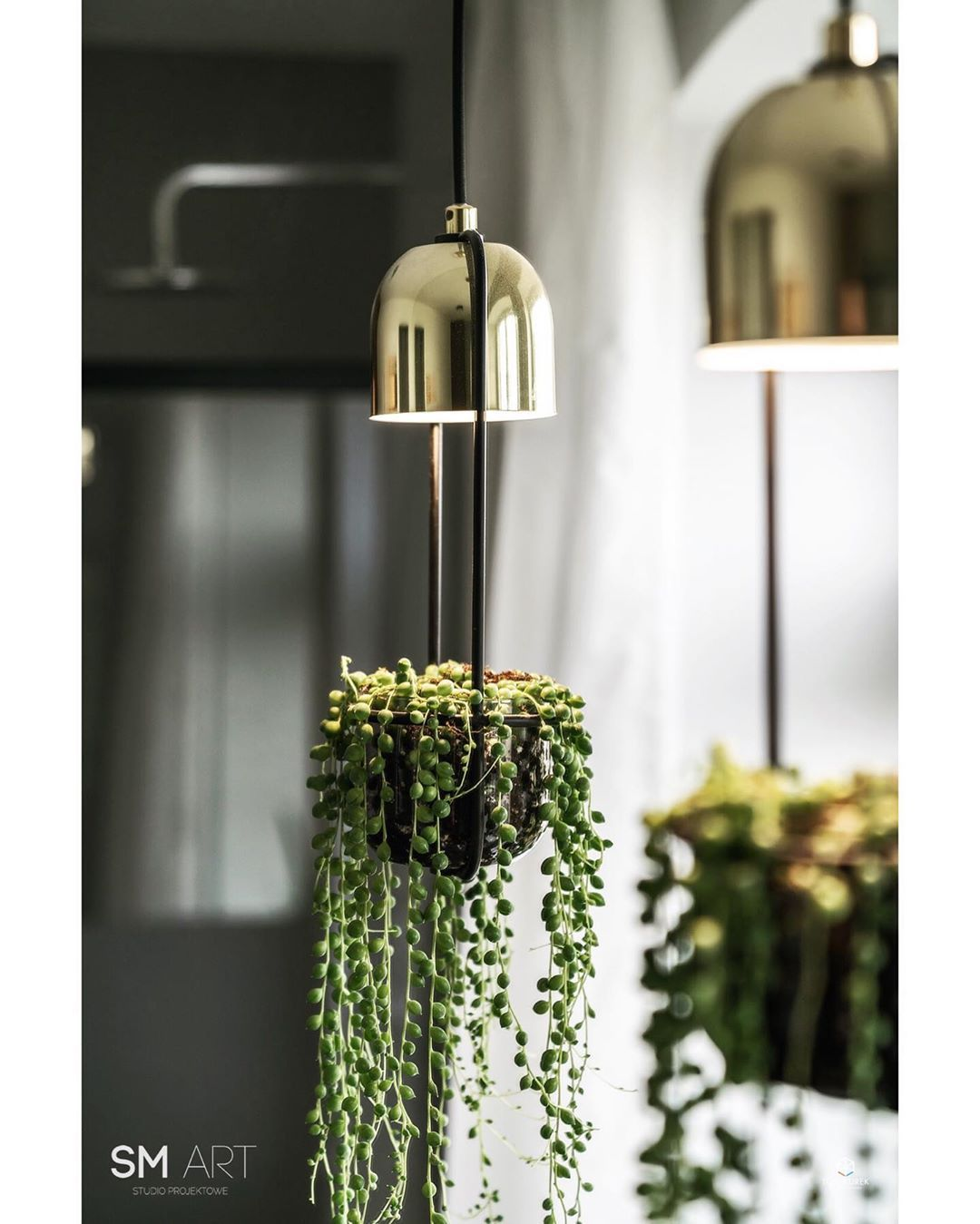 Kadr z łazienki a na nim lampa, która jednocześnie jest kwietnikiem 😊  @bloomingville_interiors @bloomingvilleus Fo… | Ceiling lights, Outdoor  decor, Pendant light