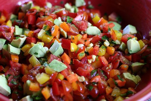 Summer Veggie Salsa by playinghouseblog: A go to summer party dish which is great as a salad or as atopping for grilled chicken, fish or steak. #Salsa #Veggie #playinghouseblog