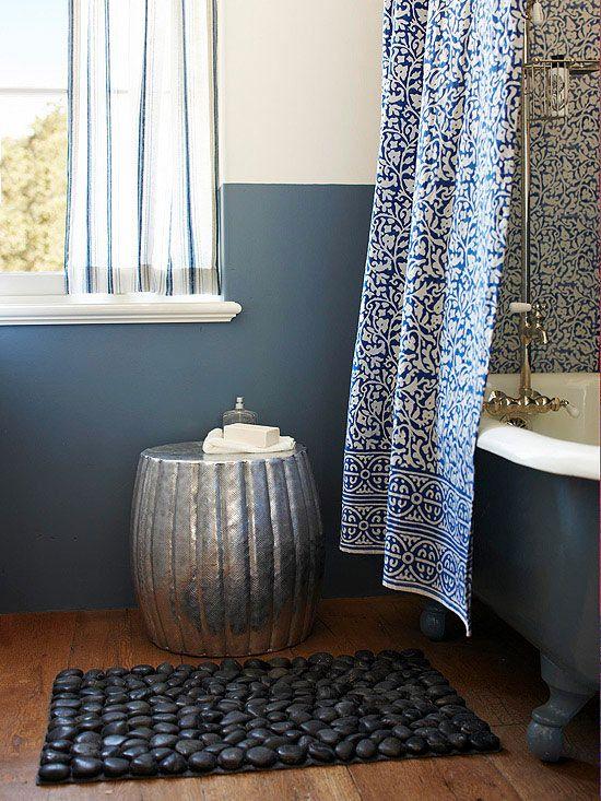 SmallBathroom Decorating Ideas Small Bathroom Mixing Prints - Round black bath rug for bathroom decorating ideas
