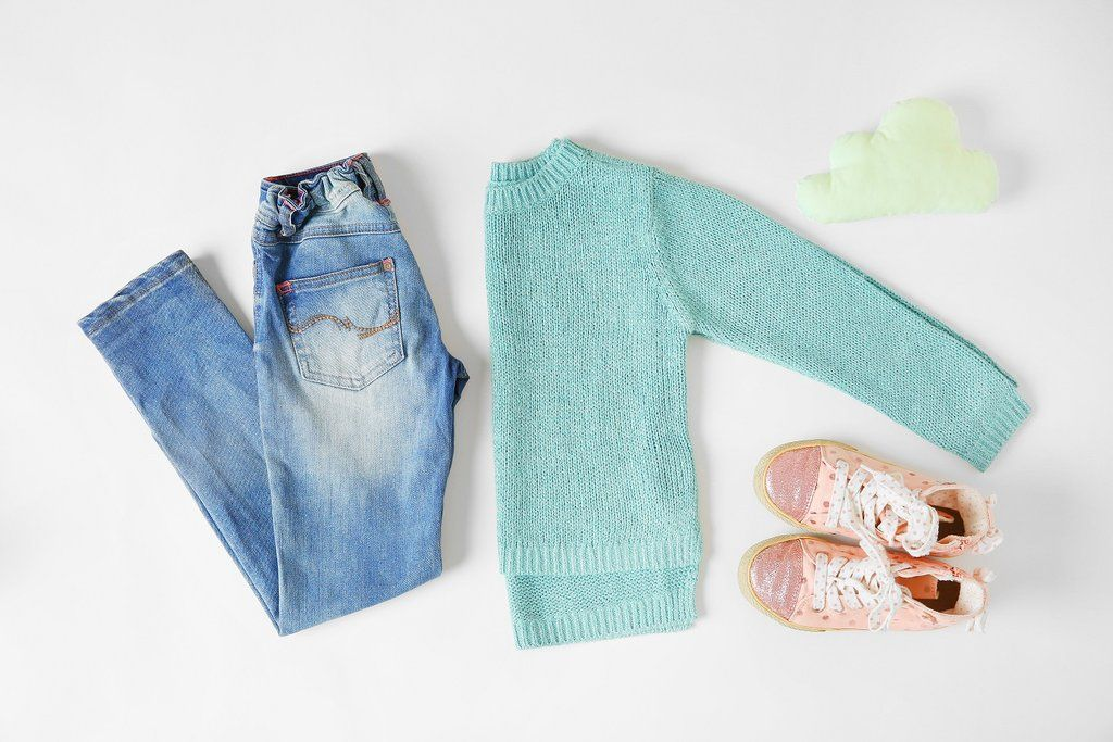 How to remove stains out of toddler clothes using natural