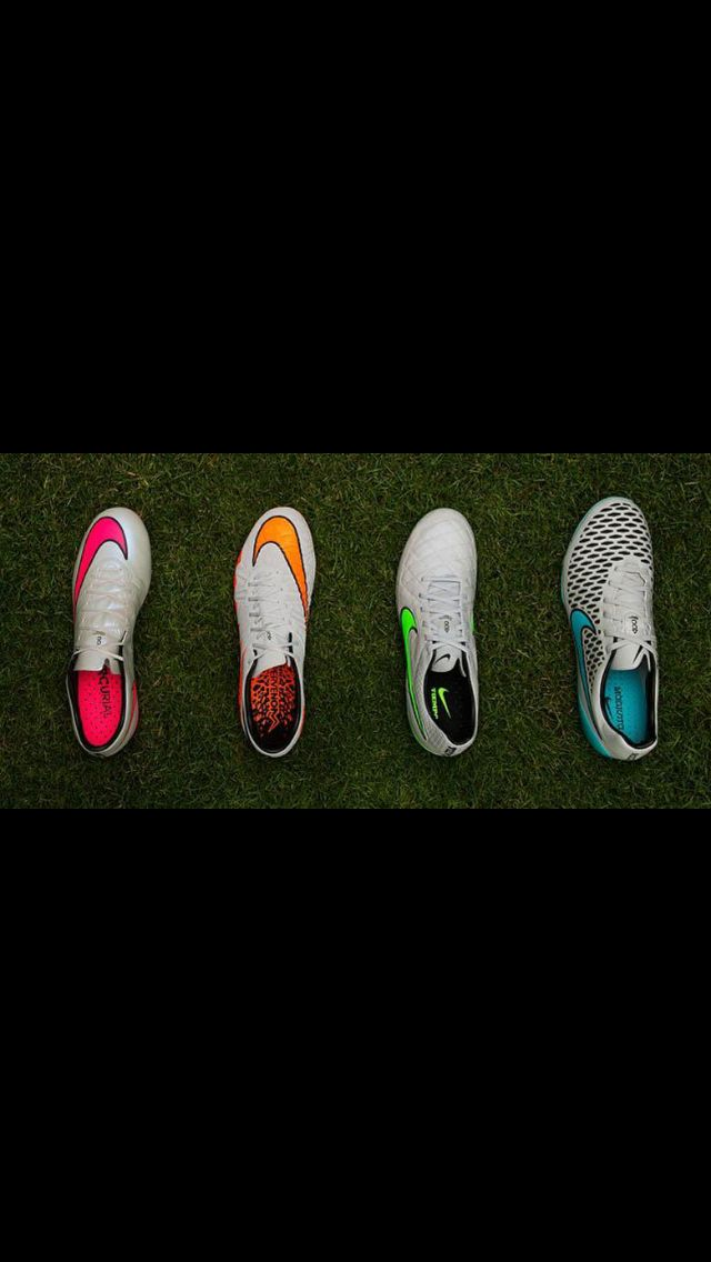 Nike cleats can t see spikes but I love the tops Tacos De Fútbol 6e3336be3c02e