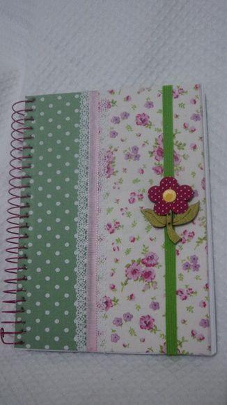 Lindo Caderno Pequeno Espiral Com 200 Folhas Capa Dura E