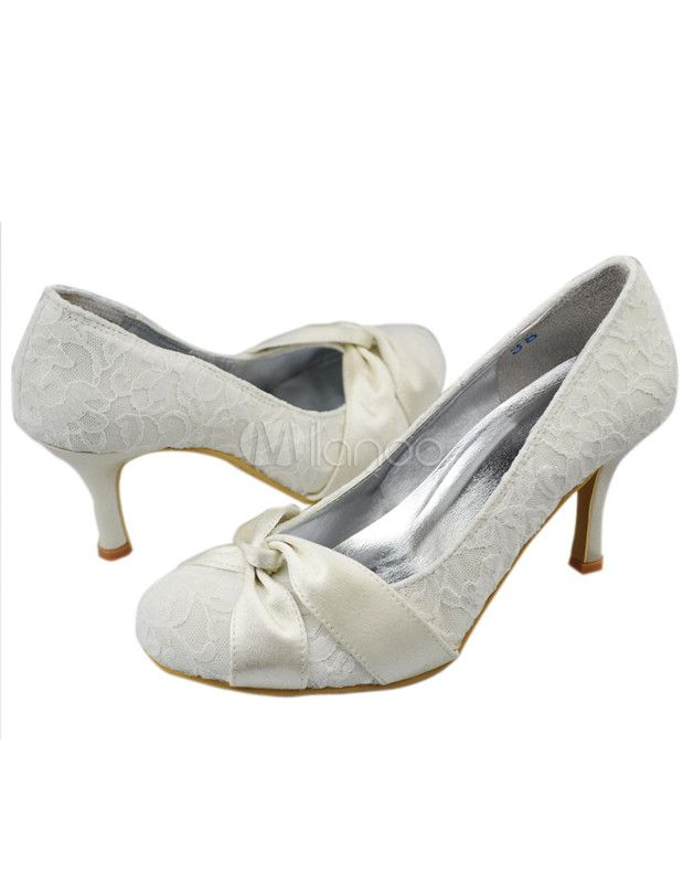 Fabulous Ivory Lace Round Toe Bridal Shoes No5