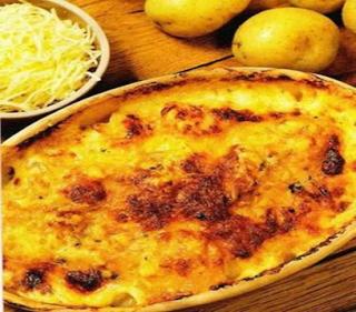 Batatas ao creme de alho : http://ummundodereceitas.blogspot.com.br/2013/03/batata-ao-creme-dealho-ingredientes-12.html