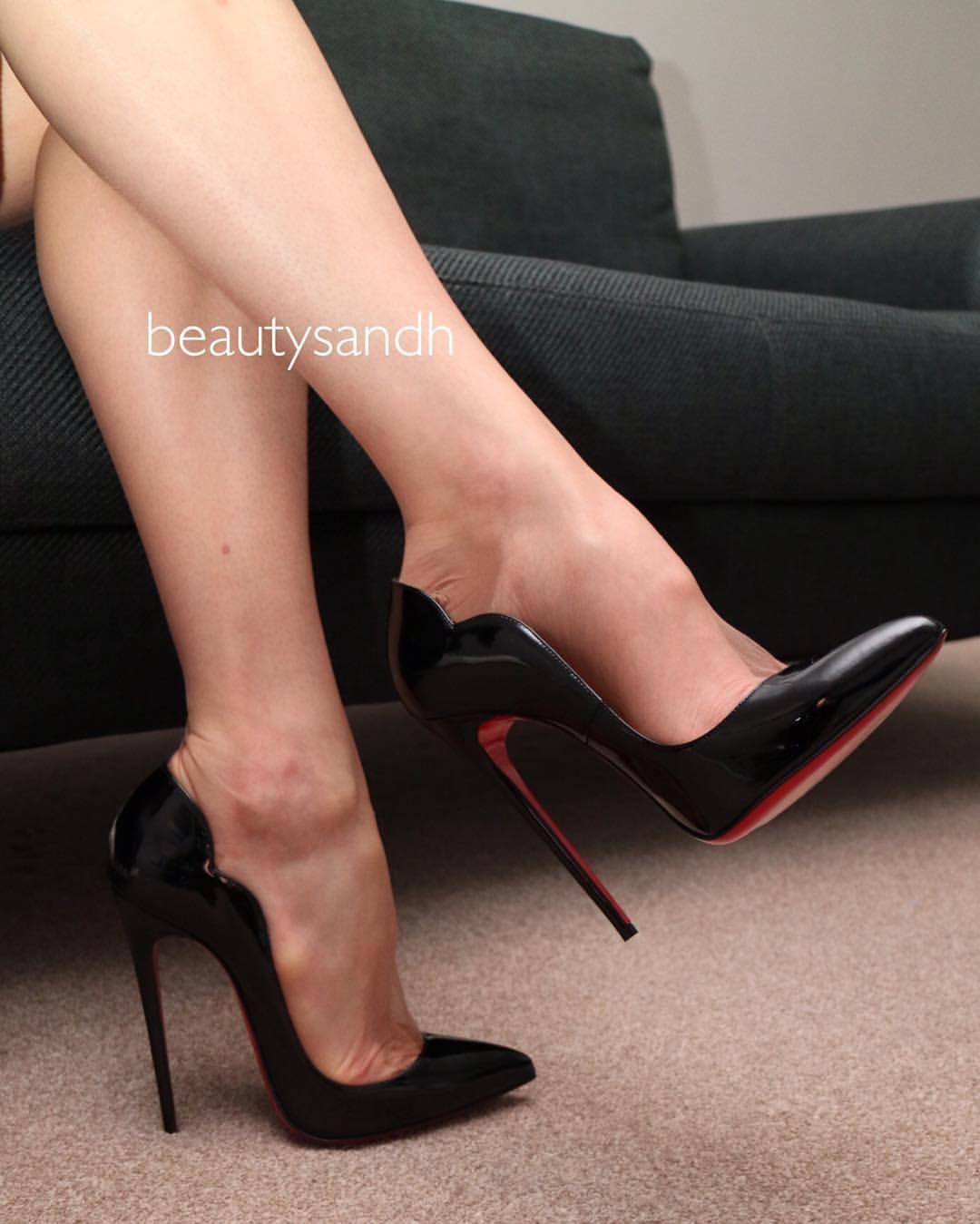 6033d6b8aa1  louboutin  hotchick  hotchick130  louboutinhotchick  legs  stockings   fullyfashioned  nylons  toecleavage  higharches  longlegs  tanstockings   redsoles ...