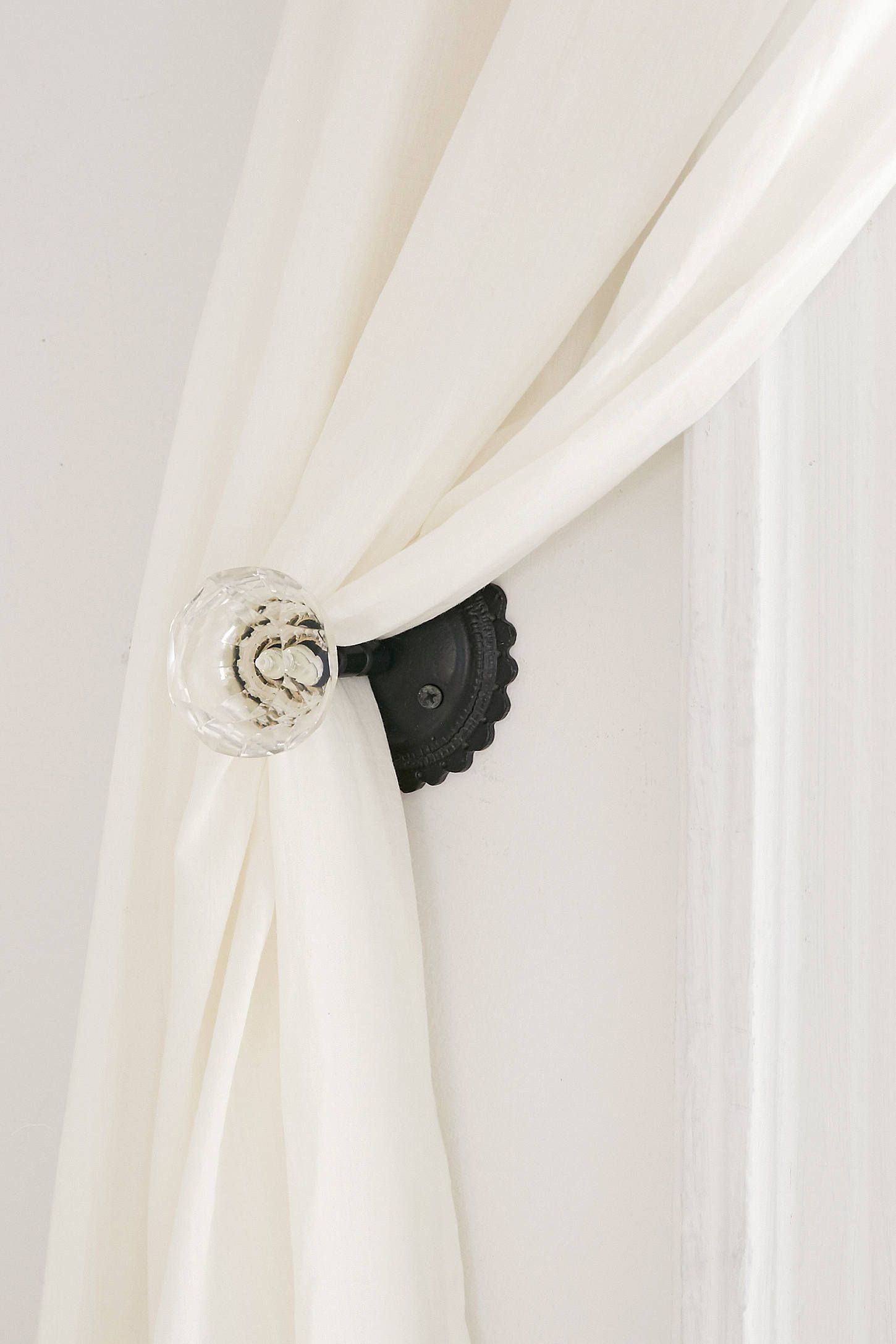 Slide View 2 Crystal Curtain Tie Back Crystal Curtains