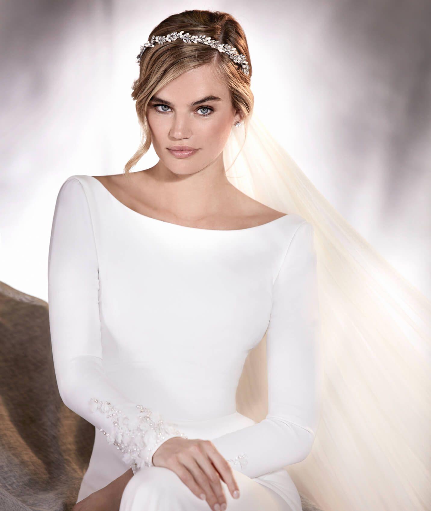 b93804932 Pronovias   ALANA - Vestido de novia en crepe