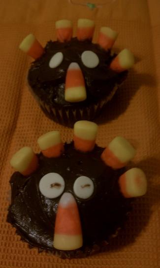 Thanksgiving Turkey Cupcakes! CUTE
