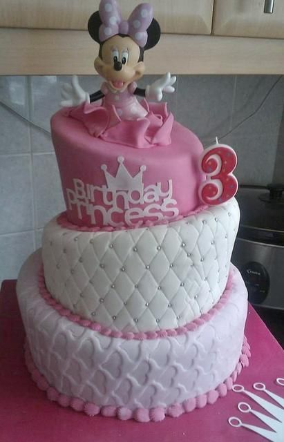 3 year old girls birthday cake pictures TopsyTurvy3tierMinny