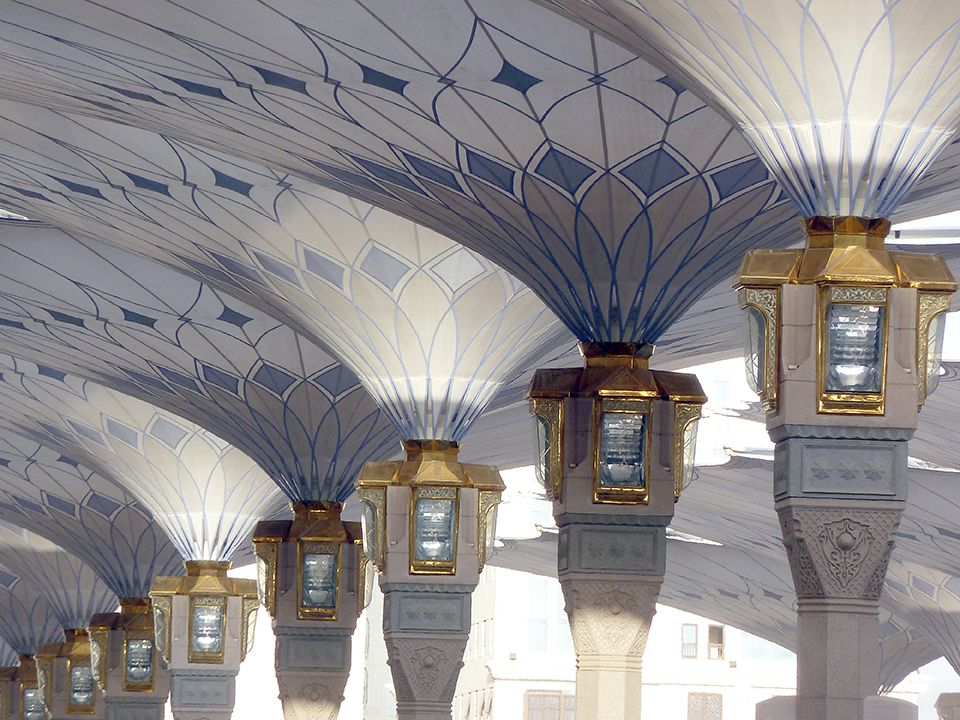 THE MADINAH UMBRELLAS ARE AMONG THE MOST BEAUTIFUL LIGHT ARCHITECTURE I HAVE EVER SEEN.« FREI OTTO