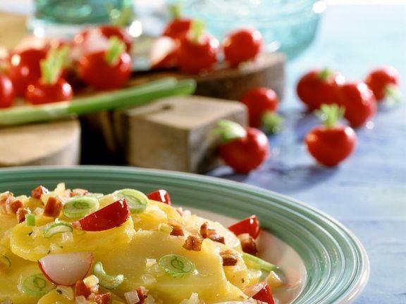 Kartoffel-Radieschen-Salat ist ein Rezept mit frischen Zutaten aus der Kategorie Gemüsesalat. Probieren Sie dieses und weitere Rezepte von EAT SMARTER!