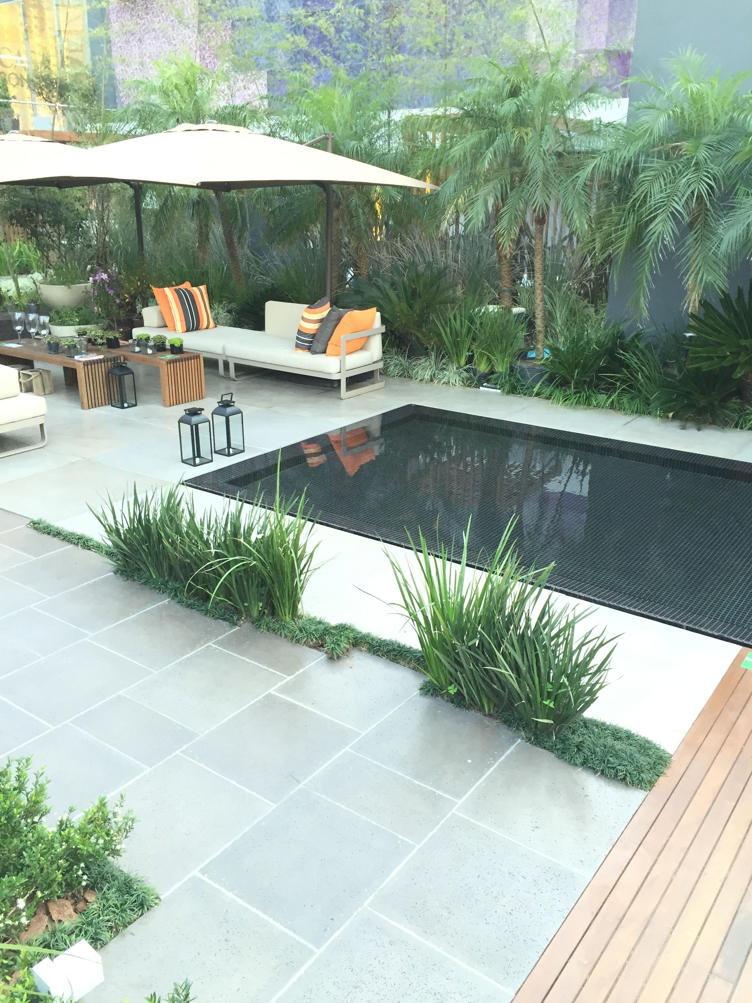 Pin By Hjh Suraini On Front Yards Front Yard Patio