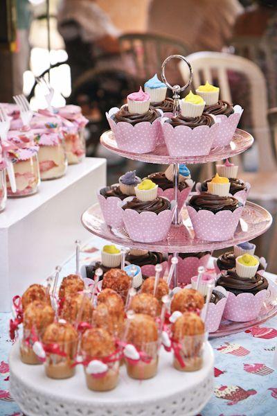 Aniversário da Amanda: Cupcake party!!
