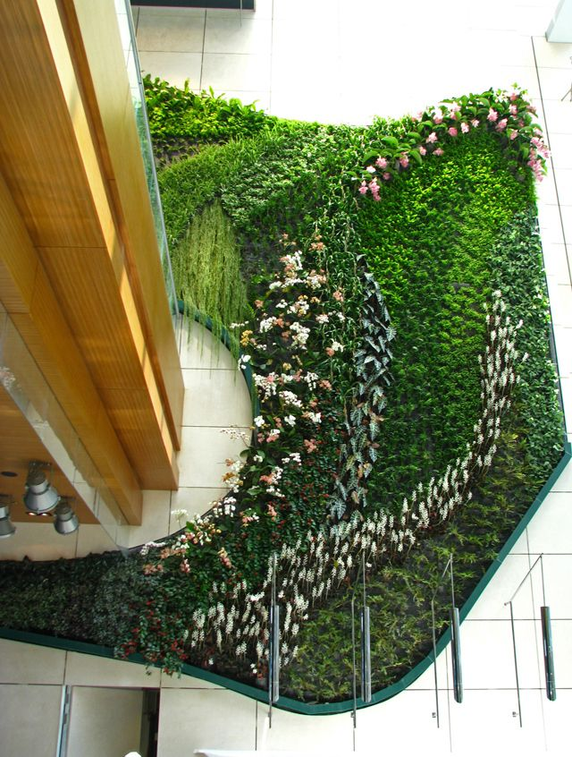 Green Wall at the Icon hotel in Hong Kong (3) (China ...