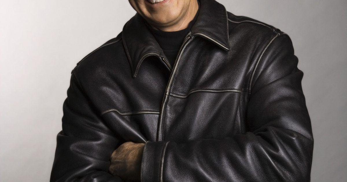 Como envelhecer uma jaqueta de couro. John Wayne tinha uma 6c1409fd5fa
