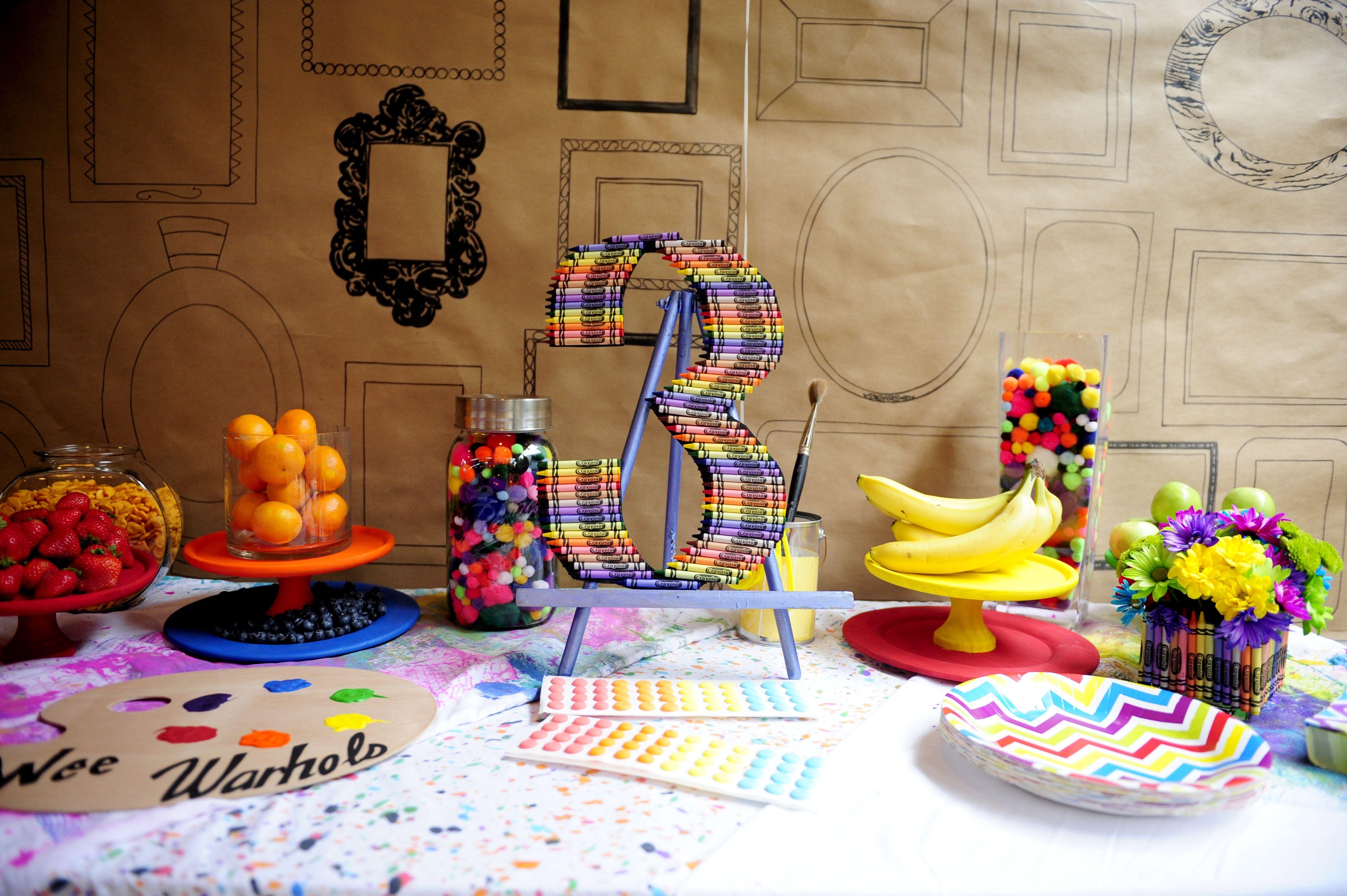 Wee Warhols Art Birthday Party- Table Display  www.facebook.com/weewarhols