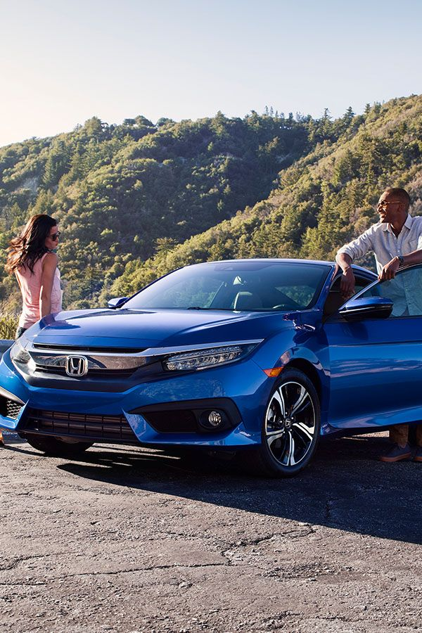 Stand Out With The Sophisticated Bold Bodylines Of The 2017 Honda Civic Coupe Civic Coupe Honda Civic Coupe Honda Civic Vtec