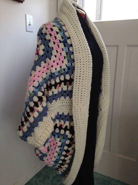 Plaza de la abuela ganchillo capullo Rebeca Shrug del suéter con ...