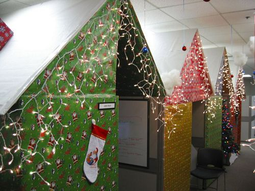 Wrapping Paper House Cubes Holiday Decorating Ideas For The Office Cube Pinterest Office