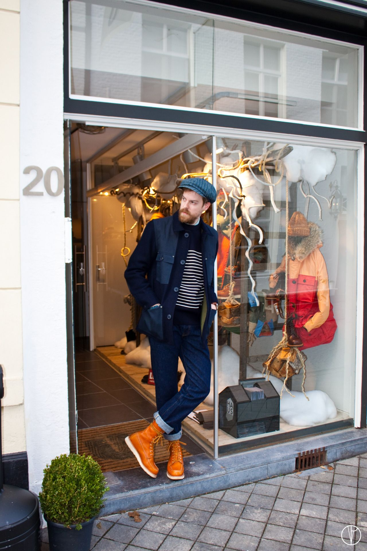 Michael van Hal Ouwe Paparazzi Photography Location : UshowU Store Maastricht (NL) Date : 15-11-2013 _______________ Last week I visited the UshowU store in Maastricht. Together with the owner Pieter we talked about the store, the products, the...
